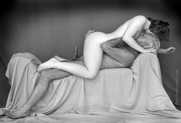 Eva Lovia showing her sexy ass