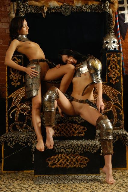 смотреть лесби в средние века прилила