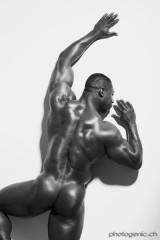 nude_black_male